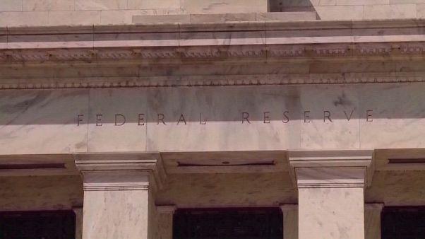 La Fed taglia i tassi d'interesse di 25 punti base: scoppia lite con Trump (per lui troppo poco)