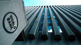 تقرير صادر عن البنك الدولي يؤكد معاناة السلطة الفلسطينية من أزمة سيولة حادّة