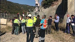 Kılavuz tren tünelde raydan çıktı, 2 makinist hayatını kaybetti