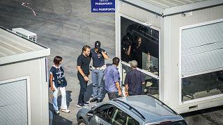 Interpol operasyonunda Akdeniz üzerinden Avrupa'ya girmeye çalışan 12 terör şüphelisi yakalandı