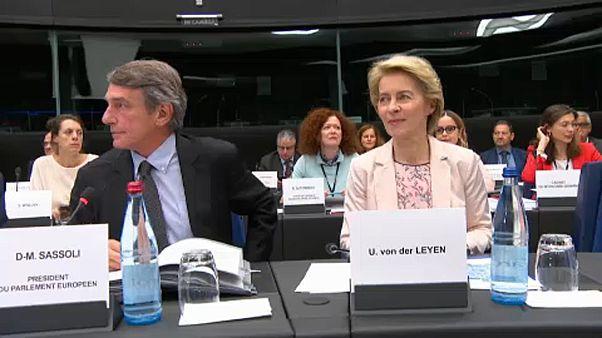 Еврокомиссары на парламентском ковре