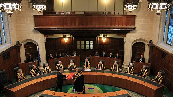 Birleşik Krallık Yüksek Mahkemesi: Parlamentonun askıya alınmasına ilişkin kararı erteledi