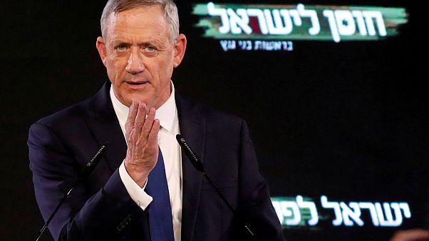 بيني غانتس خلال مؤتمر صحافي في تل أبيب