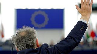 Fordulat: Az uniós pénzek korrupt felhasználása miatt háborog a Néppárt