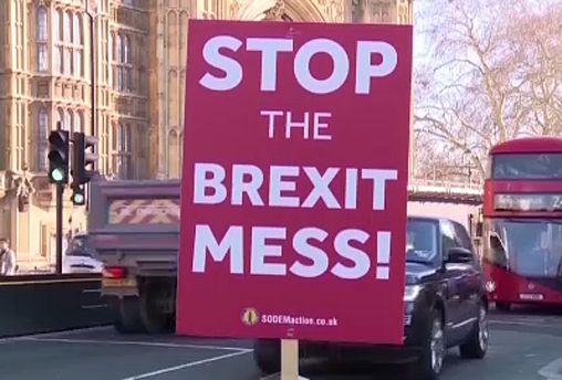 Londres mueve ficha para desbloquear el Brexit