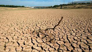 Un réservoir d'eau est asséché dans la province de Castellon en Espagne