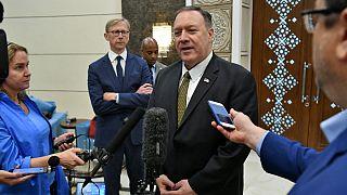 مایک پمپئو در ابوظبی: ایالات متحده به دنبال راه حلی «صلحآمیز» است