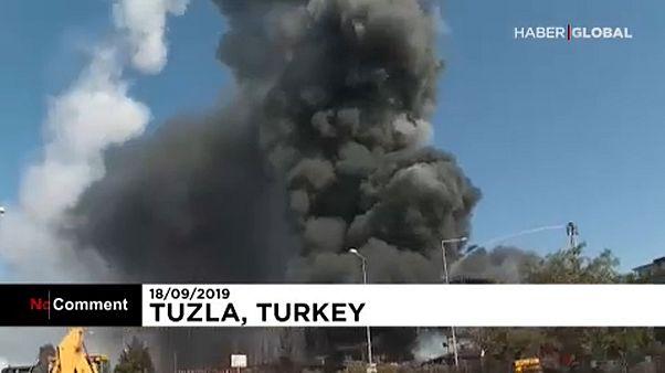 Fábrica turca de produtos químicos explode