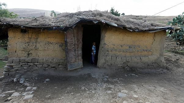 متوسط درآمد شهروندان ایرانی ۷۰ درصد پایینتر از خط فقر است