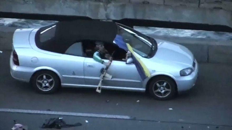Videó a kijevi hídon lövöldöző férfi letartóztatásáról