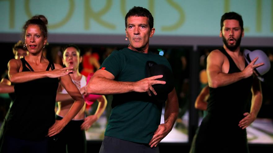 أنطونيو بانديراس مشاركاً في التمرينات