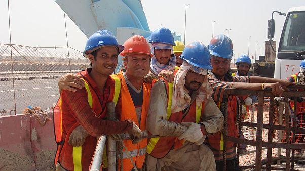 عمال بناء في جدة في المملكة العربية السعودية