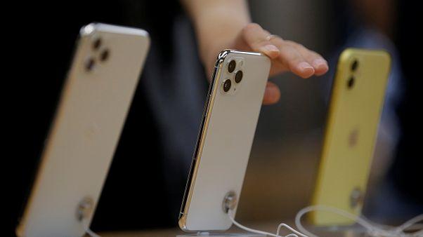 شاهد: عشاق آبل خيموا مبكرا أمام متاجرها في أستراليا ليكونوا أول من يحصل على آيفون 11