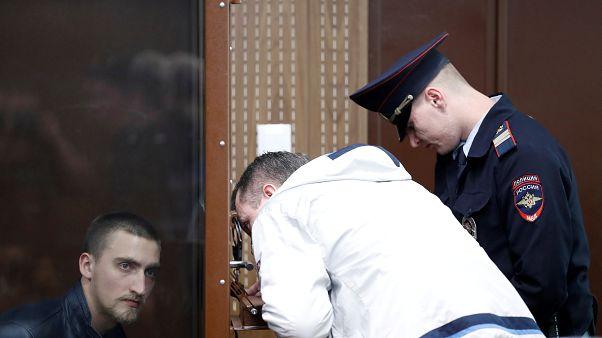 Суд решил отпустить Павла Устинова под подписку о невыезде