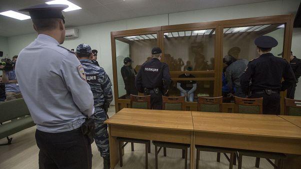 Rusya'da mahkeme Yehova Şahitleri üyelerini hapis cezasına mahkum etti
