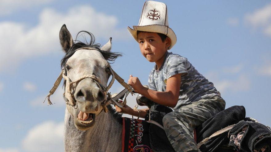 ویدئو؛ اسب و عقاب در رسوم سنتی قرقیزستان