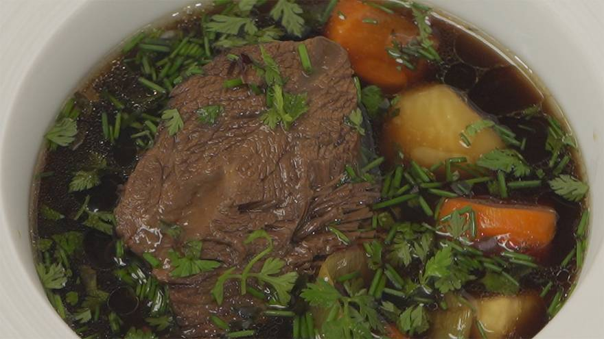 Η συνταγή του σεφ Τιερί Βουαζέν: Μοσχαρίσια μάγουλα με σάλτσα σόγιας