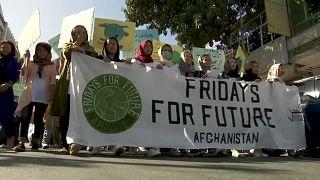 راهپیمایی جوانان افغانستان برای مبارزه با تغییرات آب و هوایی