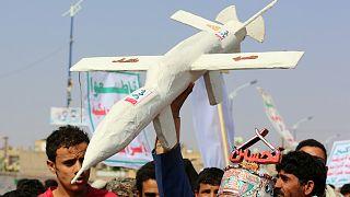 مسيرة مؤيدة للحوثين- أرشيف رويترز