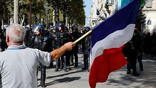 کنش جلیقه زردهای فرانسه همزمان با راهپیمایی مبارزه با تغییرات اقلیمی