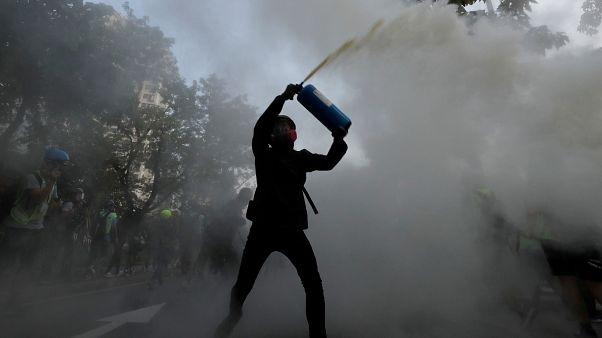 Гонконг: столкновения у границы