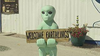 عشاق الأجسام الغريبة والمخلوقات الفضائية
