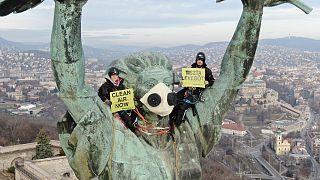 A főpolgármester-jelöleket kérdezi a Greenpeace