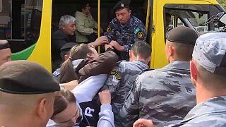 شرطة كازاخستان تعتقل متظاهرين