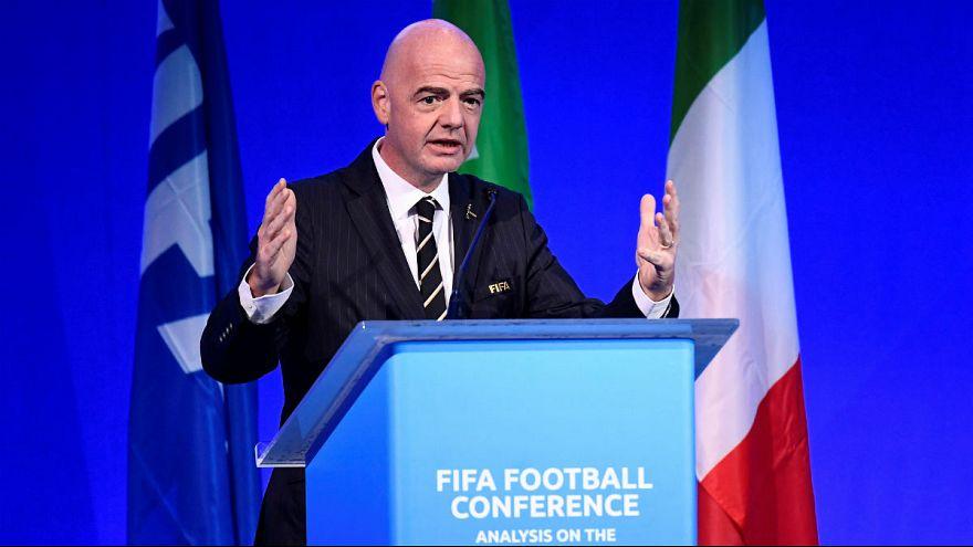 رئیس فیفا: مقامهای ایرانی نسبت به حضور تماشاگران زن در استادیوم اطمینان دادهاند