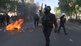Manifestação pelo clima em Paris ensombrada por detenções e violência