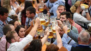 Το Oktoberfest άνοιξε τις πύλες του