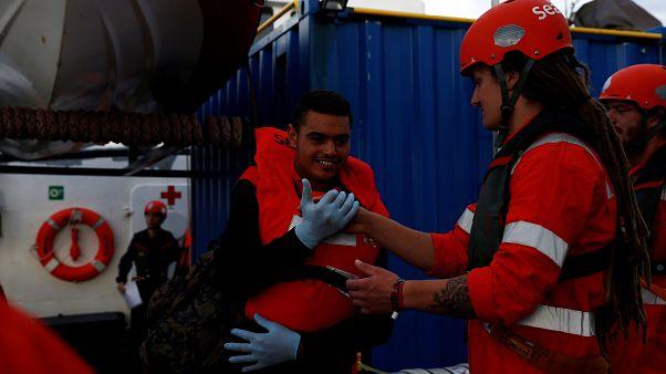 Quatro países da UE debatem asilo de emergência