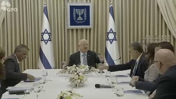 Folytatta az egyeztetést az izraeli államfő