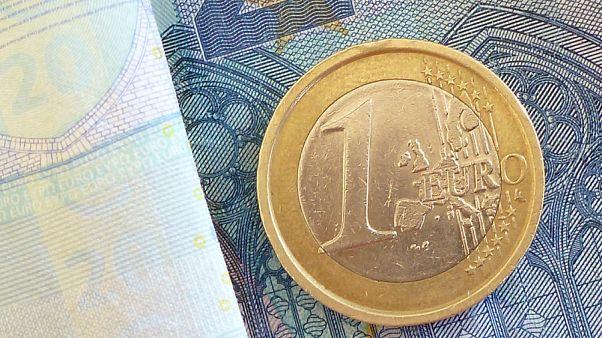 Ismét mélyponton a forint az euróhoz képest