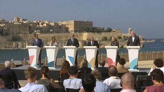 """Рим: """"достучаться"""" до ЕС"""