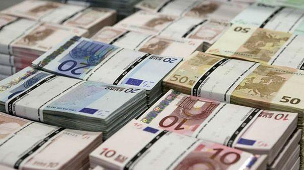 عقبنشینی دلار و یورو ادامه یافت