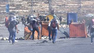 West Bank: Palestinians clash with Israeli security forces