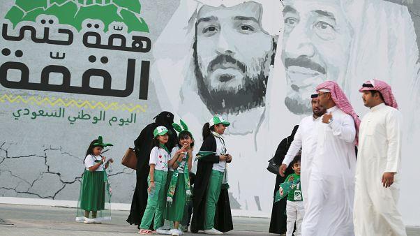 فيديو: السعوديون يحتفلون باليوم الوطني ويعبرون عن ثقتهم في مواجهة التحديات