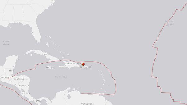 Un fuerte terremoto sacude Puerto RIco, amenazado por una tormenta tropical