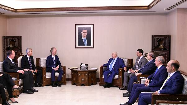 المبعوث الخاص للأمم المتحدة إلى سوريا ، جير بيدرسن ، يلتقي وزير الخارجية السوري وليد المعلم في دمشق