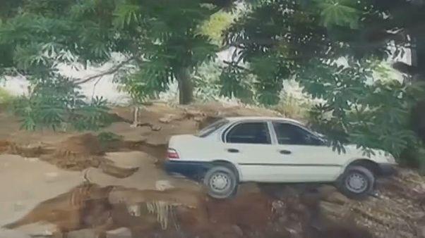 من الأضرار التي تسبب بها الزلزال في باكستان