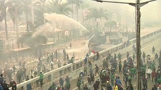 من التظاهرات بسبب التعديلات على قانون العقوبات التي يرى فيها الإندونيسيون انتهاكاً لحرياتهم الشخصية