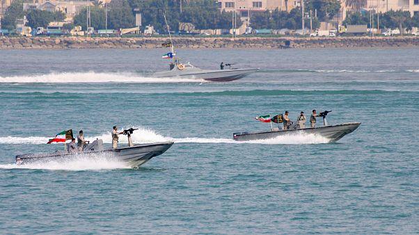 مناورات بحرية إيرانية بالقرب من ميناء بندر عباس