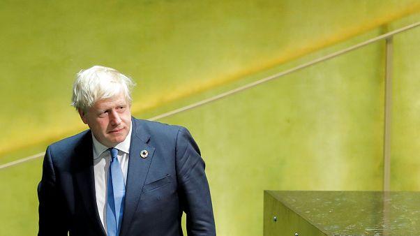 Boris Johnson attendu de pied ferme au Parlement britannique