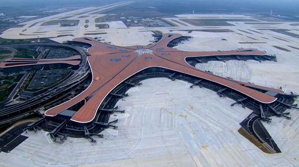 شاهد: الصين تفتتح أحد أكبر المطارات في العالم قبل أيام من الاحتفال بتأسيس النظام الشيوعي