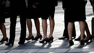 Fransa Kültür Bakanlığı'nda iş görüşmesine alınan 200 kadına ilaç verilerek idrar yapmaya zorlandı