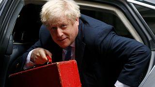 Johnson reta a la oposición a presentar una moción de censura