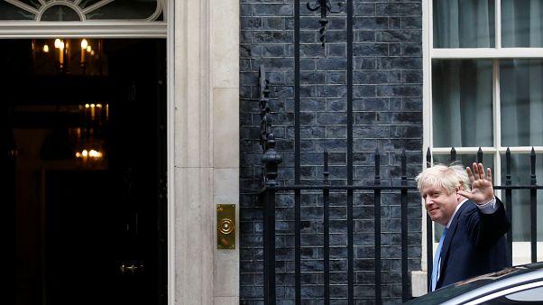 Vihar előtti csönd az újra összeült brit törvényhozásban