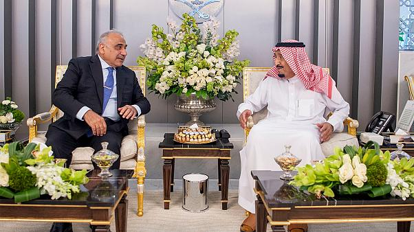 رئيس الوزراء العراقي يغادر السعودية بعد محادثات مع الملك سلمان وولي عهده تركزت حول هجمات أرامكو