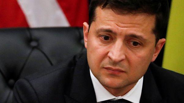 انتقادات لرئيس أوكرانيا بعد نشر نص محادثته الهاتفية مع ترامب